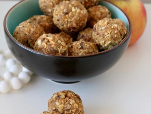 Energie balls aux pommes séchées, cannelle et raisins secs